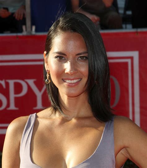trichtolimania short thick hair pulling magic mike and the newsroom star olivia munn suffers from