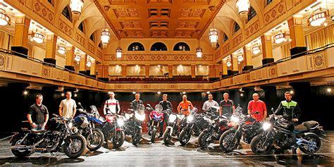 Motorrad Führerschein Nachmachen österreich by Im Theater Geht Dem Firmenkunden Ein Licht Auf