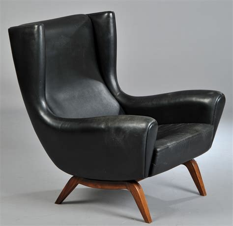 comfy lounge chair comfy and masculine furniture pinterest lounge chair design lounge chairs and mid century