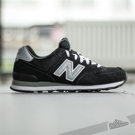 Sepatu New Balance Classics Traditionnels new balance classics traditionnels 574 black footshop