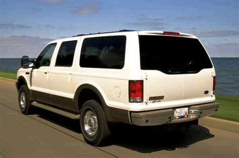 ford excursion fuel capacity 2000 05 ford excursion consumer guide auto