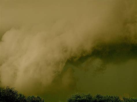 tornado sky color tornado sky s southwestern sky