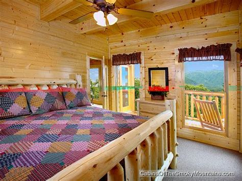 8 bedroom cabins in gatlinburg gatlinburg cabin papa bears cabin 8 bedroom sleeps