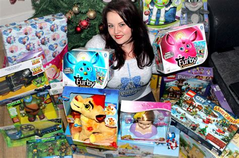 how to save money on christmas shopping woman reveals how