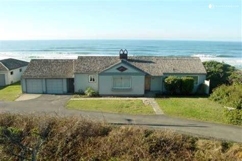 Cabins Newport Oregon by Oceanfront Cabin Rental In Newport Oregon