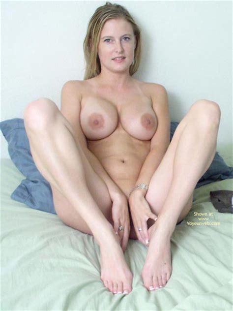 Big Tits Large Nipples Nude October 2003 Voyeur Web