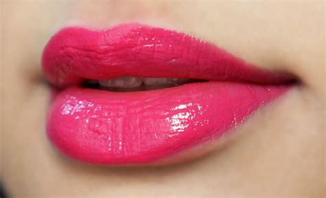 Maybelline Pink Alert maybelline pink alert lipstick pow 2 review the best