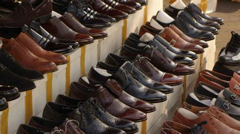 Sepatu Caterpillar Di Cibaduyut berburu sepatu dan tas murah di cibaduyut portal wisata
