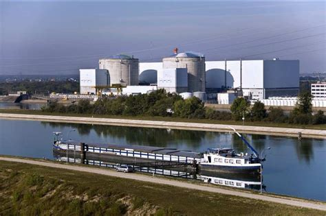 cr馘it du nord si鑒e social fermer la centrale de fessenheim co 251 terait deux milliards