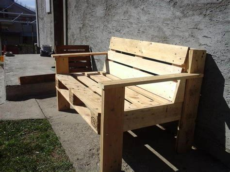 bench made of pallets d i y pallet bench