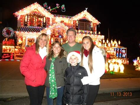 watch whitestone family compete for best christmas lights
