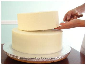 how to make tiered cakes
