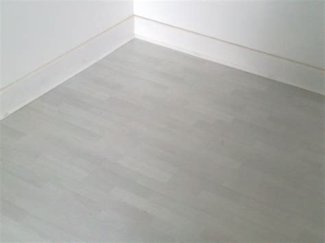 white floor beading laminate installed in the office at southwark step