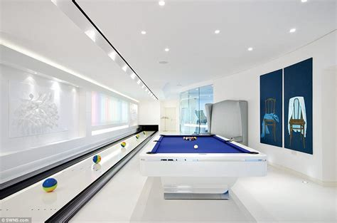 home design games agame agame play free cinema rush 163 20m north london mansion in totteridge toured on channel