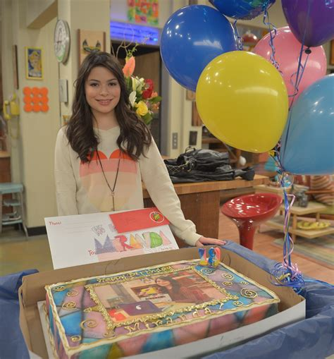 icarly celebrates her birthday with an icarly bedroom miranda cosgrove celebrates her 19th birthday miranda