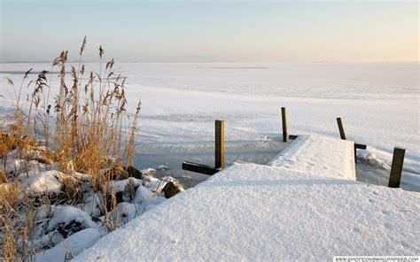 frozen winter wallpaper frozen lake winter wallpaper free desktop wallpapers