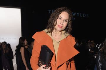 Minnie Drivers Wylde Purse by Minnie Driver Pictures Photos Images Zimbio