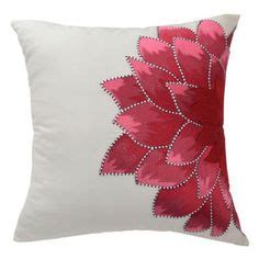 Sale Bantal Tiup Cing C Pillow pillow with felt leaves i could do this i think decor therapy apartment