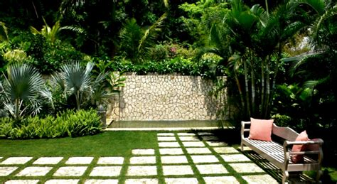 simple green landscaping designs for modern home backyard