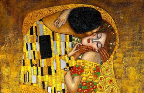 Gustav Klimt the Kiss Wall Mural   MuralsWallpaper.co.uk