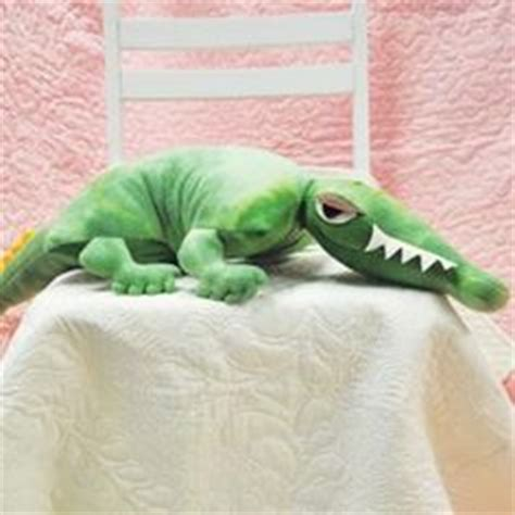 Alligator Pillow Pet by 1000 Images About Felt Reptiles On Chameleons