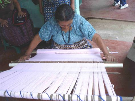 Decke Weben by Buy Handcarved Backstrap Weaving Looms Education And More
