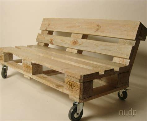 sofa de pallet sof 225 de pallets com encosto e rod 237 zios pode ser de