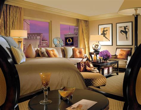 how many hotel rooms are in las vegas the bellagio