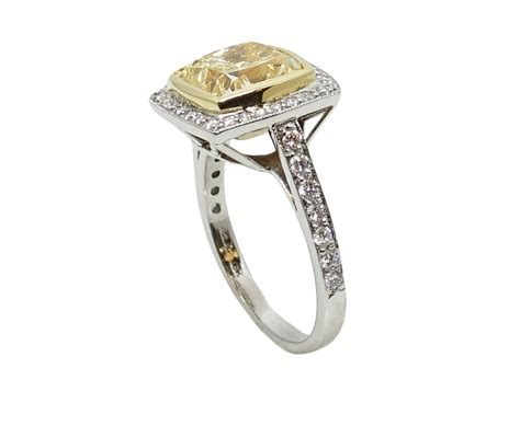 18k yellow gold and platinum ring with fancy yellow