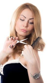 imagenes de mujeres cortando hierba femenino tijeras fotos y vectores gratis