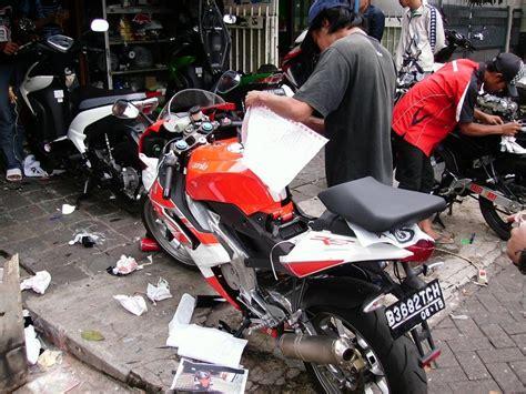 Kaos Distro Cb Motor Design cutting sticker motor jakarta holidays oo
