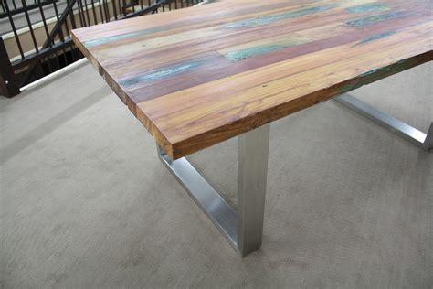 Tisch Recyceltes Holz tisch aus recyceltem holz der tischonkel