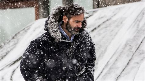 everest baltasar reaches new heights iceland review baltasar kormakur on returning to iceland for the oath