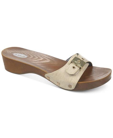 dr scholls sandals lyst dr scholls classic sandals in