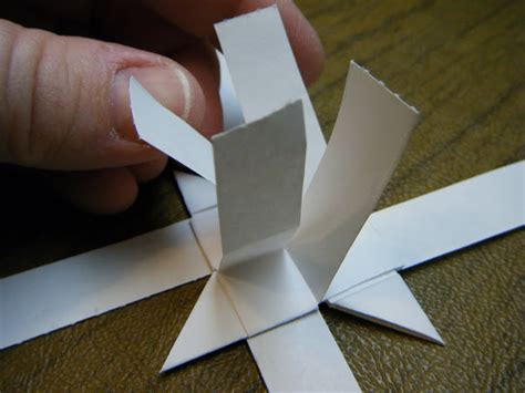 German Paper Folding - what about pie make a german paper to hang on your