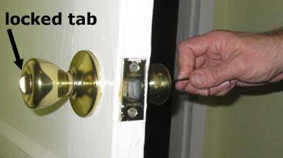 Bathroom Door Won T Lock Easy Illustrated On How To Unlock The