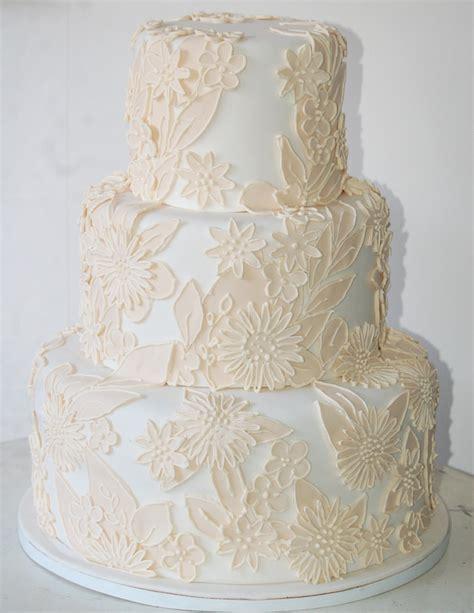 Wedding Cake Bali by Ixora Wedding Cake Bali Bali Weddings
