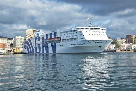 porto palermo grandi navi veloci gnv 80 agenzie di viaggio sulla linea napoli palermo