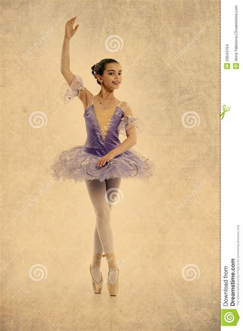imagenes vintage ballet young ballerina in vintage style stock illustration