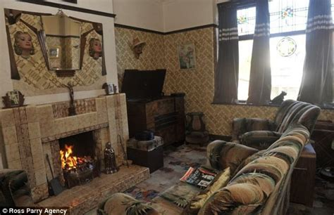 1930 homes interior inside the 1930s house man spends 163 10 000 decorating his