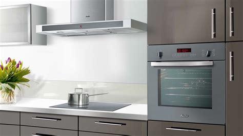 four de cuisine meuble de cuisine encastrable cuisine en image