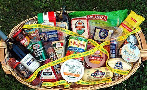 alimenti a lunga conservazione sequestri record sugli alimenti contraffatti made in italy