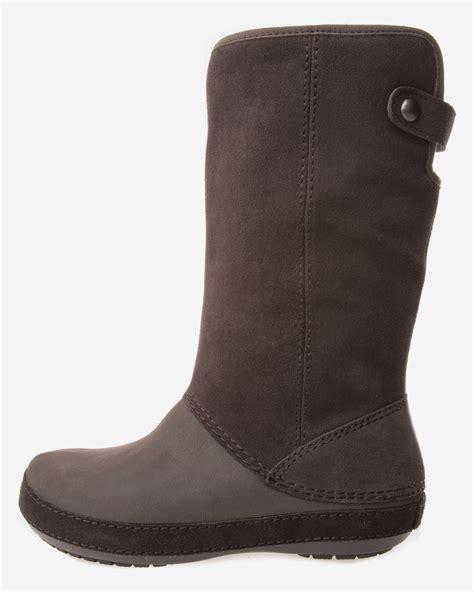 croc boots crocs berryessa suede boot boots bibloo