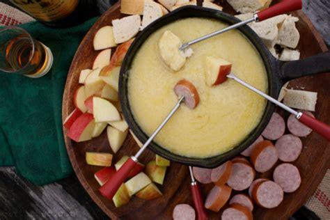 verrückte kuchen rezepte 5 verr 252 ckte fondue rezepte die du diesen winter unbedingt