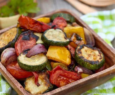 come cucinare la verdura insalata di verdure alla griglia la ricetta per preparare