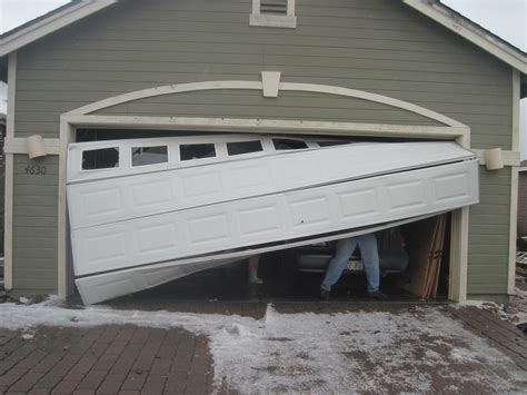 does homeowner insurance cover garage door repair or