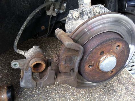 bremsscheiben wechseln wann allerhand bremsbel 228 ge vorne wechseln smart 451