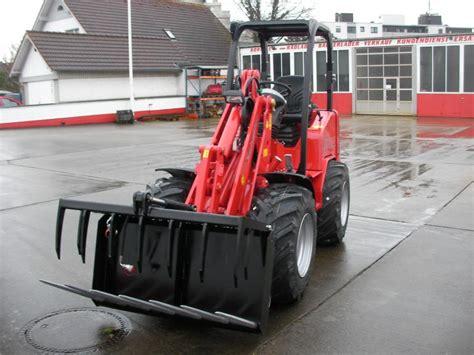 Bagger Radlader F 195 188 R Bauer Gartenbau Und Co Der