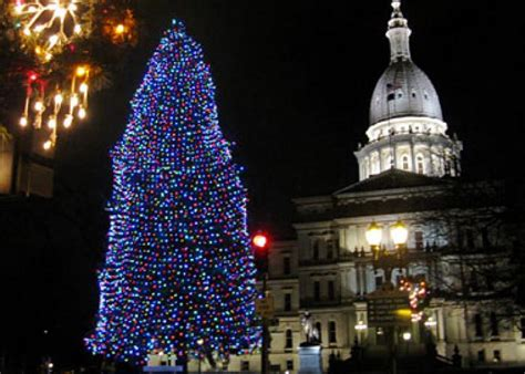 muskegon is home to america s tallest singing christmas