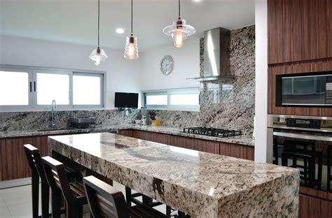 las mejores  mas elegantes mesadas de piedra  tu cocina